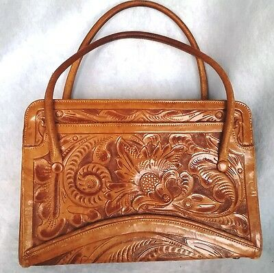 Vintage Tooled Brown Swagger Leather Purse Leather Lining GUC