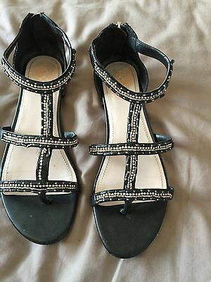 Ladies Sandals By Vince Camuto Size 5