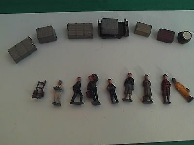 Ho/oo Gauge Collection Of Die-Cast Railway Figures And Equipment X 17 In V.g.c.