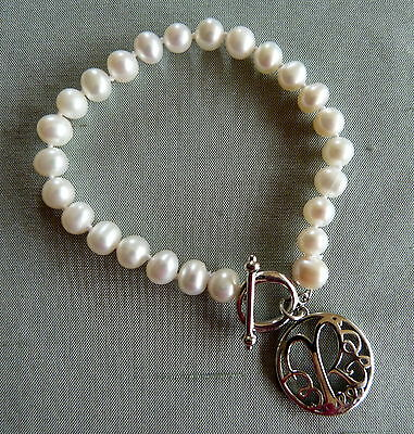 """Beautiful Silver & Freshwater Pearl Bracelet Decorated With The Letter """"r"""""""