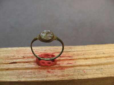 ANCIENT CELTIC-ROMAN BRONZE FINGER SEAL RING 1-3 ct. AD.