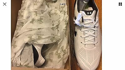 Under Armour Golf Shoes Mens SiZe 9.    Black & White.