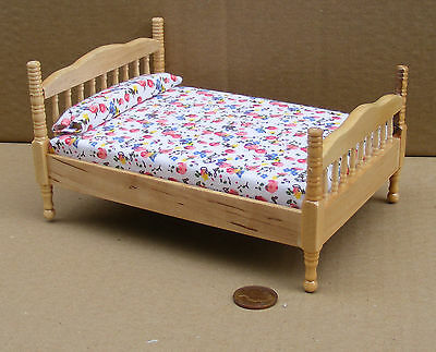 1:12 Scale Pine Coloured Double Bed Dolls House Miniature Bedroom DF1487
