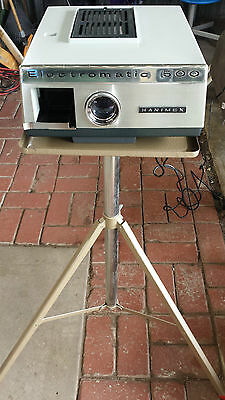 Hanimex 500 Colour Slide Projector with Stand and Screen