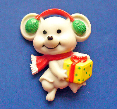 Buy3/Get1FREE~RUSS Christmas Pin MOUSE w EARMUFFS & CHEESE GIFT Vtg Xmas 1980s
