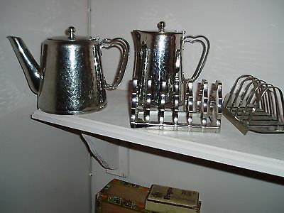 """""""OLDE HALL"""" Quality Stainless Steel TEAPOT,WATER JUG, 2 TOAST RACKS-No Reserve!"""