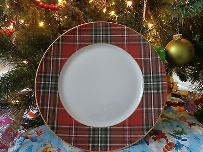 222 FIFTH Wexford Red Plaid Tartan Dinner Plates NEW Set of 8 Holiday Plates