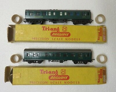 Triang T133 T134 Sr Green Brake 2Nd & Restaurant 1St Cars With Seats (Superb)