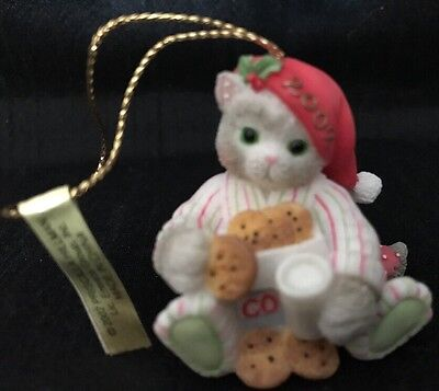 "Calico Kittens Enesco 2002 ""Have Yourself A Meow-y Little Christmas"" Ornament"