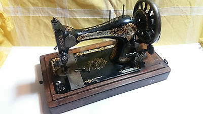 Vintage Singer sewing machine 28k with bentwood case