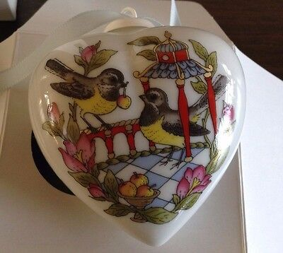 Hutschenreuther SPRING HEART ORNAMENT 2002 Porcelain Herz Ole Winther NIB Large