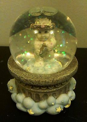 Dreamsicle Cast Figurine Small Angel Snow Globe with Yellow Stars #D4537