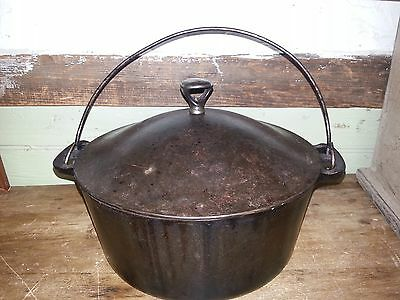 WAGNER WARE SIDNEY O CAST IRON # 7 DUTCH OVEN W/ LID& round roaster metal knob