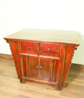 """Antique Chinese """"Butterfly"""" Coffer (5615), Circa 1800-1849"""
