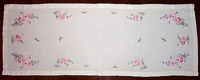 1950's Hand Embroidered Floral Table Runner