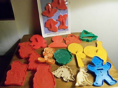 Lot PLASTIC COOKIE CUTTERS, Wilton Pack BUGS & FRIENDS & 15 others: Holiday