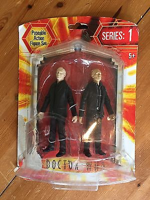 R86  Doctor Who (Series 1) Poseable Action Figure  ' Auton Twin Pack '