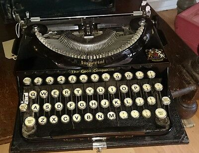 VINTAGE 1940s IMPERIAL THE GOOD COMPANION PORTABLE TYPEWRITER - WORKS PERFECTLY