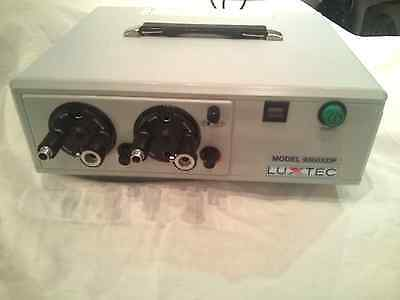 LUXTEC  Xenon Series model 9300 XDP Surgical light source