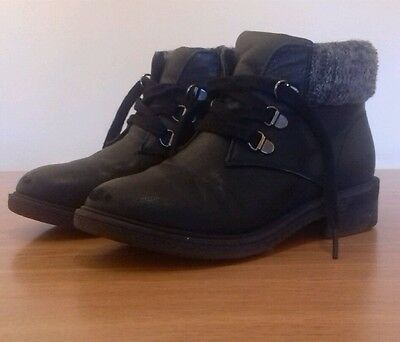 New look 915 size 2 boots