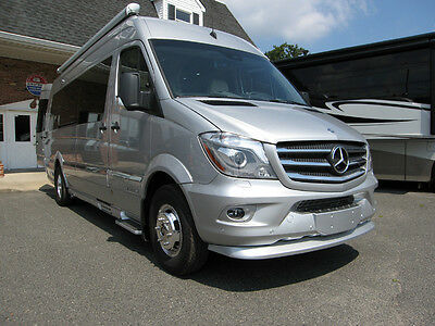 "2016 Airstream Interstate Ext 24'4"" Extended Lounge Class B Van"