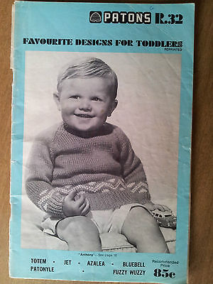 Patons vintage Favourite Designs for Toddlers knitting booklet, R.32, patterns