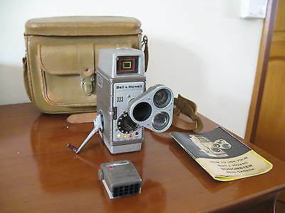 Ancienne caméra 8mm Bell et Howell complete