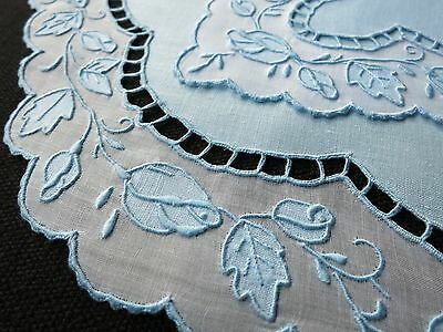 ROSES in BLUE~ Vtg MADEIRA 16pc Linen PLACEMATS NAPKINS Hand Embroidery FINE