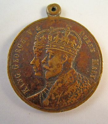 1911 KING GEORGE V & QUEEN MARY CORONATION MEDALLION VICTORIA 30mm