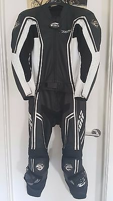 Madif 2 Piece Motorcycle Motorbike Leathers Suit Size 48