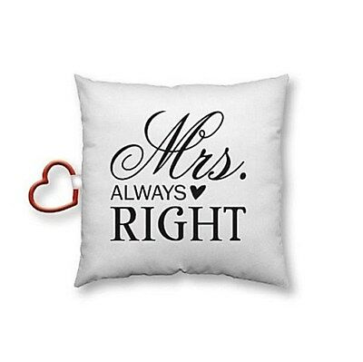 "Baumwollkissen """"Mrs. ALWAYS RIGHT"""". Mit Motivdruck, inklusive Herzkarabiner"