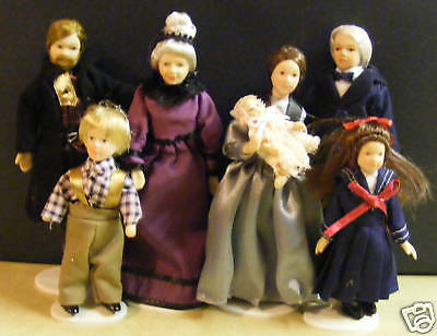 1:12 Scale Family Of 7 Small People Dolls House Miniature Nursery Accessory 090