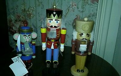 3 soldiers from the nutcracker fantasy