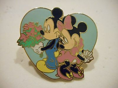 Mickey Mouse And Minnie Mouse In Love Disney Pin