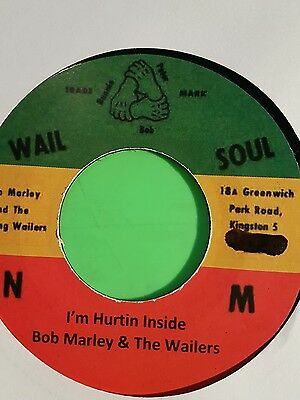 Wail N Soul Iam Hurting Inside  /:/ Stepping Razor Wailers  .peter Tosh