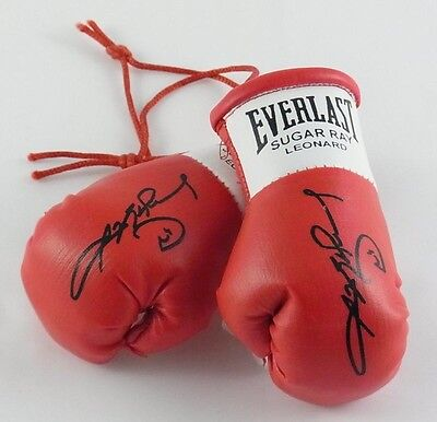 Sugar Ray Leonard Autographed Mini Boxing gloves (collectable)