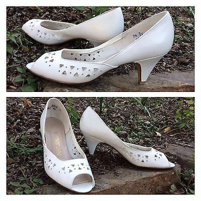 VTG 7.5 B 80's White leather NATURALIZER cut-out peep-toe High Heel pumps shoes