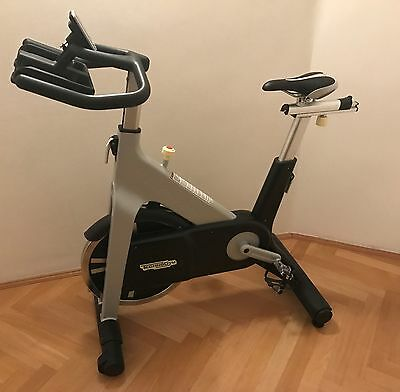 TECHNOGYM Group Cycle + Wireless Control Spinningrad Rad Bike WIE NEU Spinning