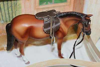 Klutz Horse figure saddle and box Georgeous Horse, wow, looks like a Breyer