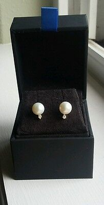 14k Gold real pearl and  real diamond earings - Classic design - Brand  New
