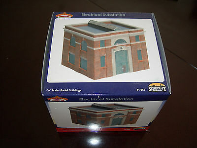 Bachmann Scenecraft 44-069 Electrical Substation - Brand New