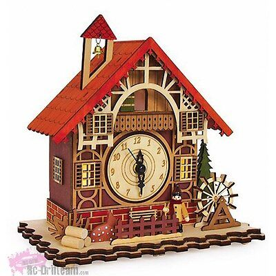 "Reloj Musical ""Casa Alpina"". Clock ""Timbered House"""