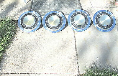 Vintage 1970's ? Chrysler New Yorker Hubcap Hub Cap Set of 4 Very Good Condition