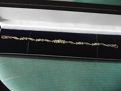 585 / 14 ct Yellow Gold Bracelet - Stamped for 14k - 8 grams - Clear stones