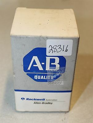 Allen-Bradley 800T-J2 3 Position Maintained Black Selector Switch Series T Type