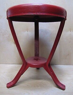 Antique Farm Milking Stool w Red Star cast iron metal steel farm milk dairy cow