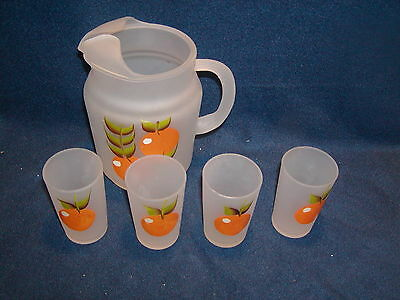 / Vintage frosted orange juice pitcher with  , 4 glasses