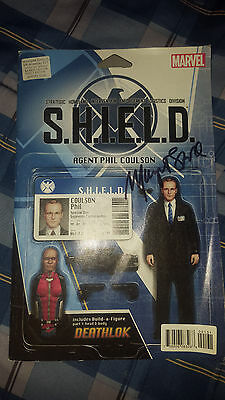 Marvel SHIELD Mockingbird Agent Phil Coulson Action Figure Comic  *SIGNED*