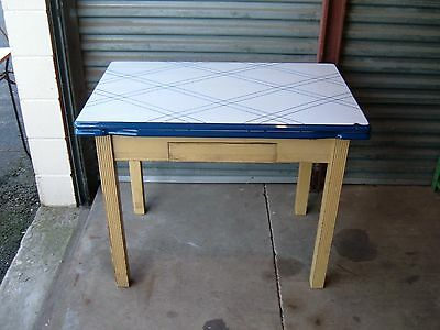 Antique Porcelain Enamel Top Kitchen Table   Farm Table With Leafs Shabby  Chic