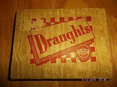 Vintage Wooden Draught Set ..in Original Box..one Of The Clifford Series Of Game